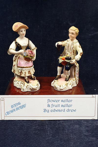 Royal Crown Derby figurines Lot 13
